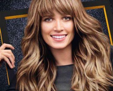 cheveux long avec frange sur le côté